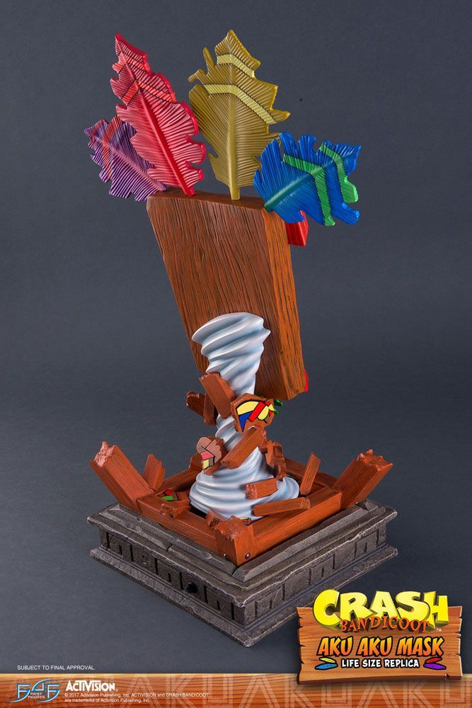 crash bandicoot - first 4 figures aku aku mask life-size replica