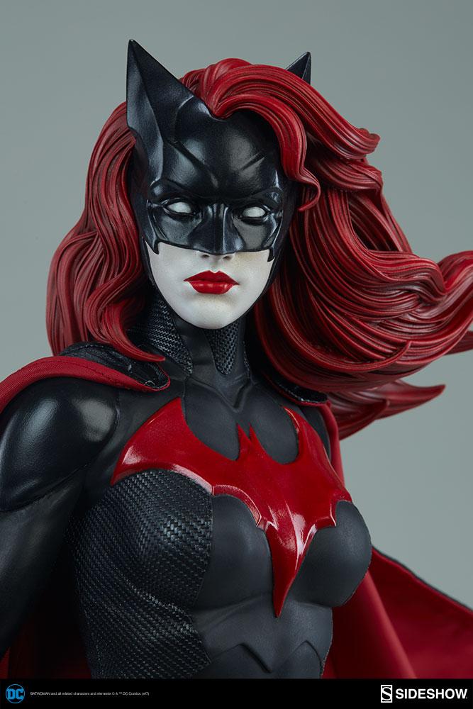 DC Comics - Batwoman - Premium Format Figure Sideshow ...