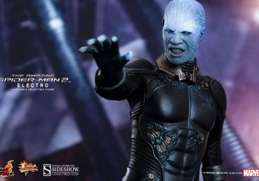 Electro Hot Toys Action Figure