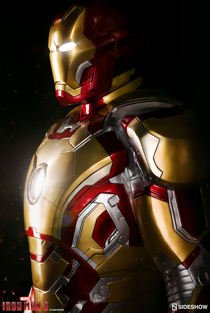 Iron Man 3 - Iron Man Mark 42 Life Size Sideshow Collectibles Statue