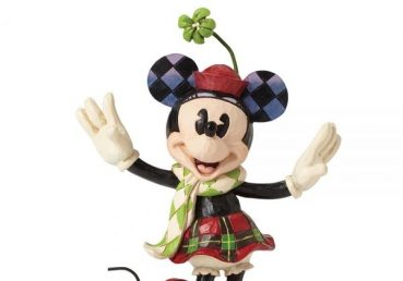 Merry-Minnie-Mouse-Figurine2