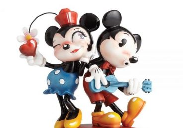 Mickey Mouse & Minnie Mouse Figurine