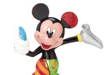 Mickey Mouse Selfie Figurine