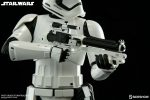star-wars-episode-vii-first-order-stormtrooper-sideshow-collectibles-statue8