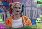 Suicide-Squad-Harley-Quinn-(Prisoner-Version)-16-Scale-Movie-Masterpiece-Hot-Toys-Action-Figure4