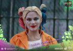 Suicide-Squad-Harley-Quinn-(Prisoner-Version)-16-Scale-Movie-Masterpiece-Hot-Toys-Action-Figure7
