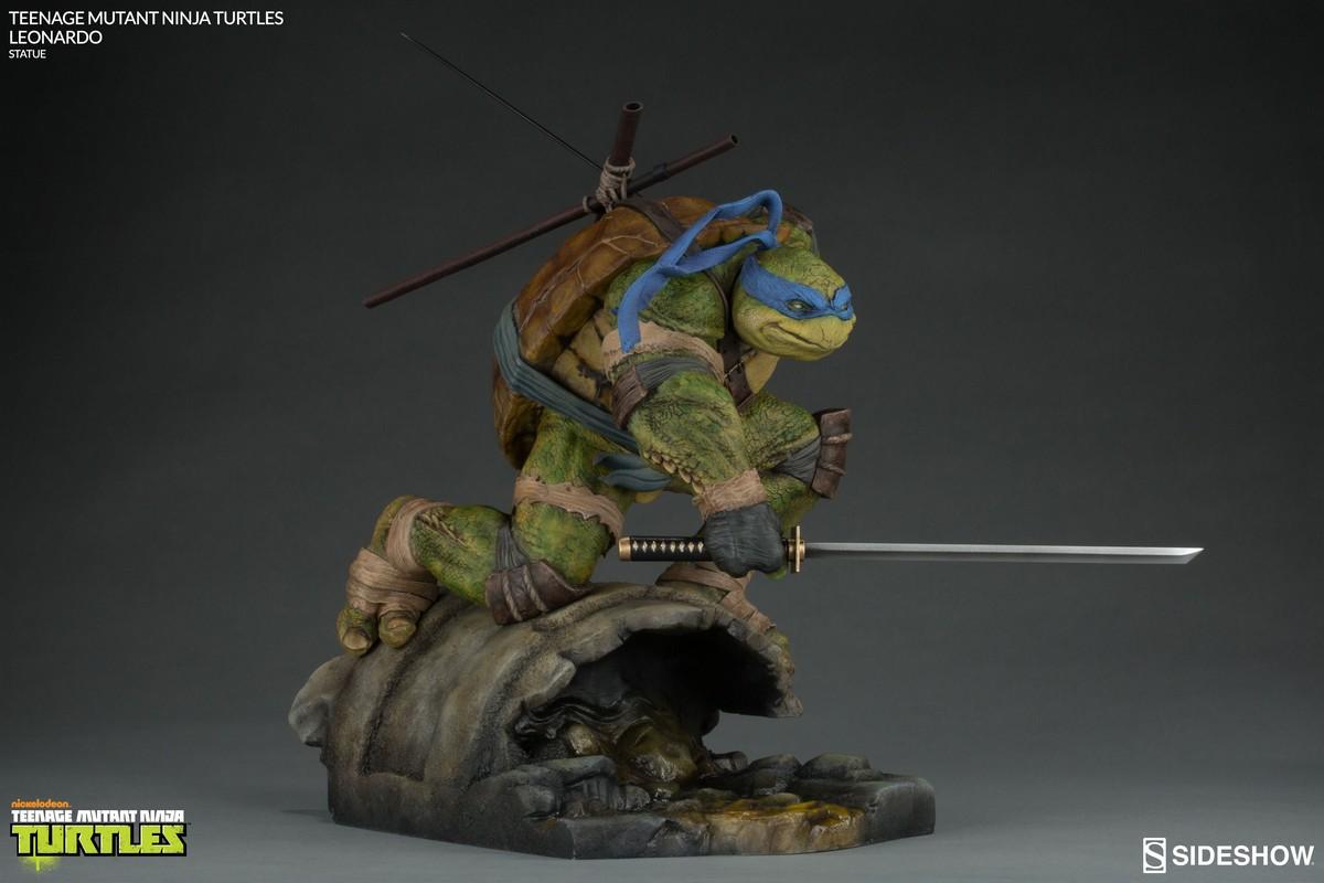 Teenage Mutant Ninja Turtles Leonardo Sideshow
