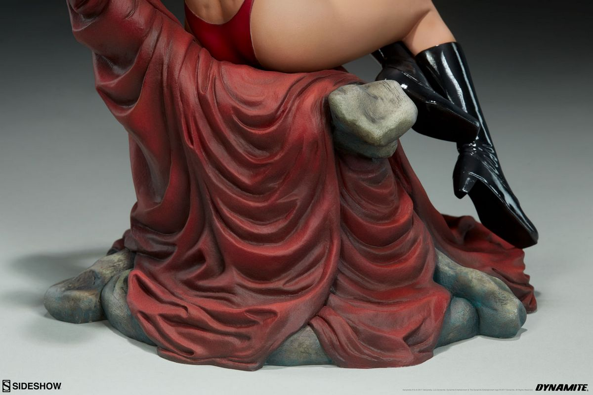 Vampirella Sideshow Collectibles Statue Movie Mania